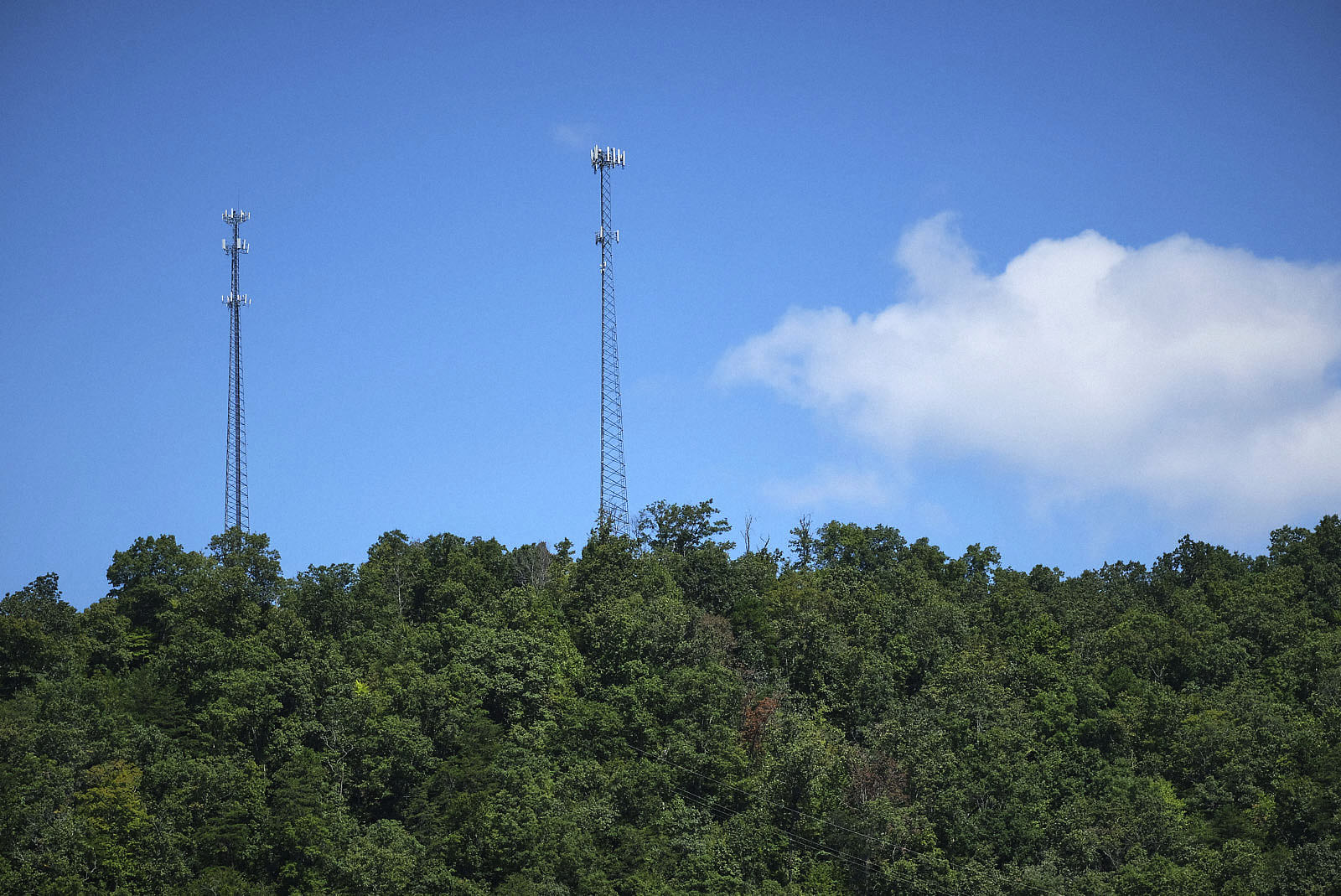A wireless internet transmitter on the right cell tower beams data to subscribers in Whitesburg, Kentucky. Photo by Shawn Poynter/Daily Yonder