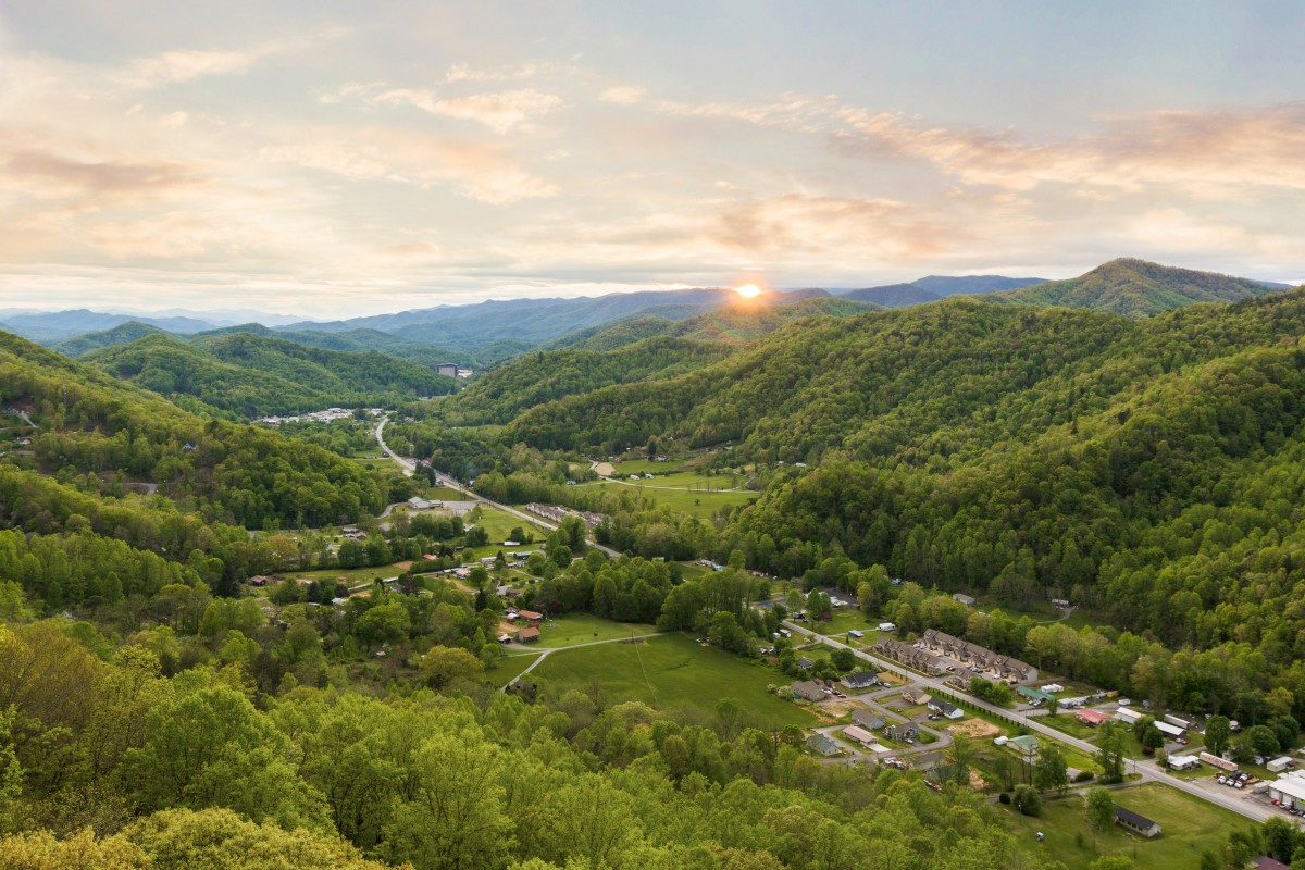 A Sunset from the Wolftown Community in Cherokee, North Carolina. Photo: Bear Allison/For 100 Days in Appalachia