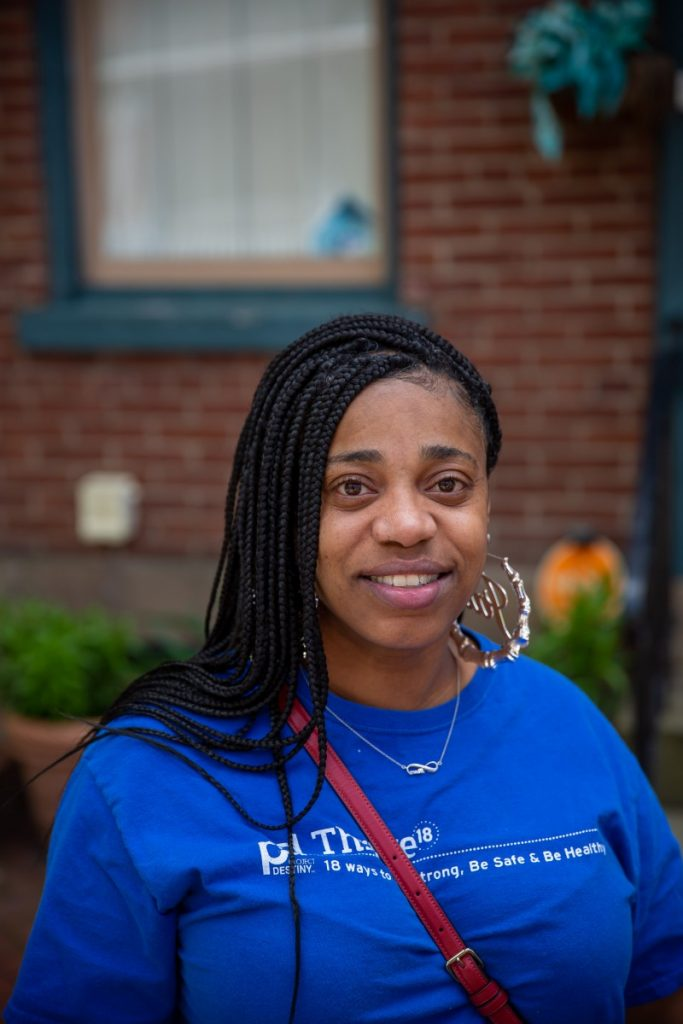 Jala Rucker's job as a community health worker has her working directly in patients' homes, helping to more easily identify issues with not just their vitals, but also living conditions that could be impacting their health. Photo: David Smith/100 Days in Appalachia
