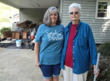 Sheila Snyder and her mother, Bobbie Jean Bumgarner, have been overwhelmed by the support from their community. Photo: Taylor Sisk/100 Days in Appalachia